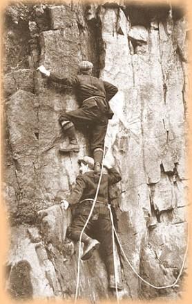 Shoulder stand 1900