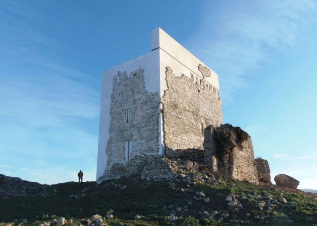 restoration-matrera-castle-villamartin-spain-carquero-arquitectura_dezeen_2364_ss_0-852x609